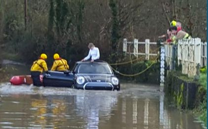 driving-in-floods