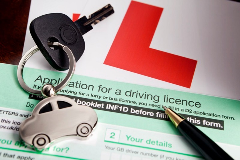 Applying for a UK Driving Licence  with L-Plates for the car.
